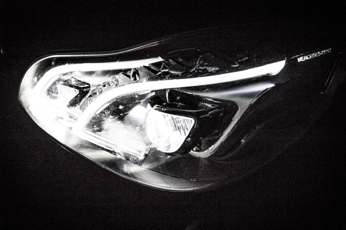 06_schwerunterwegs_Mercedes-Benz-E220CDI-HertzDuesseldorfImmermannstrasse_Muellverbrennung_Awista_Hoeherweg
