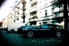 09_BMW_520d_Hertz_Immermannstraße_Länge_läuft