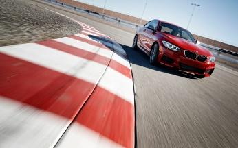 11_BMW_DriftMob_ChrisHarris_DriftSchool_BMW_M235i