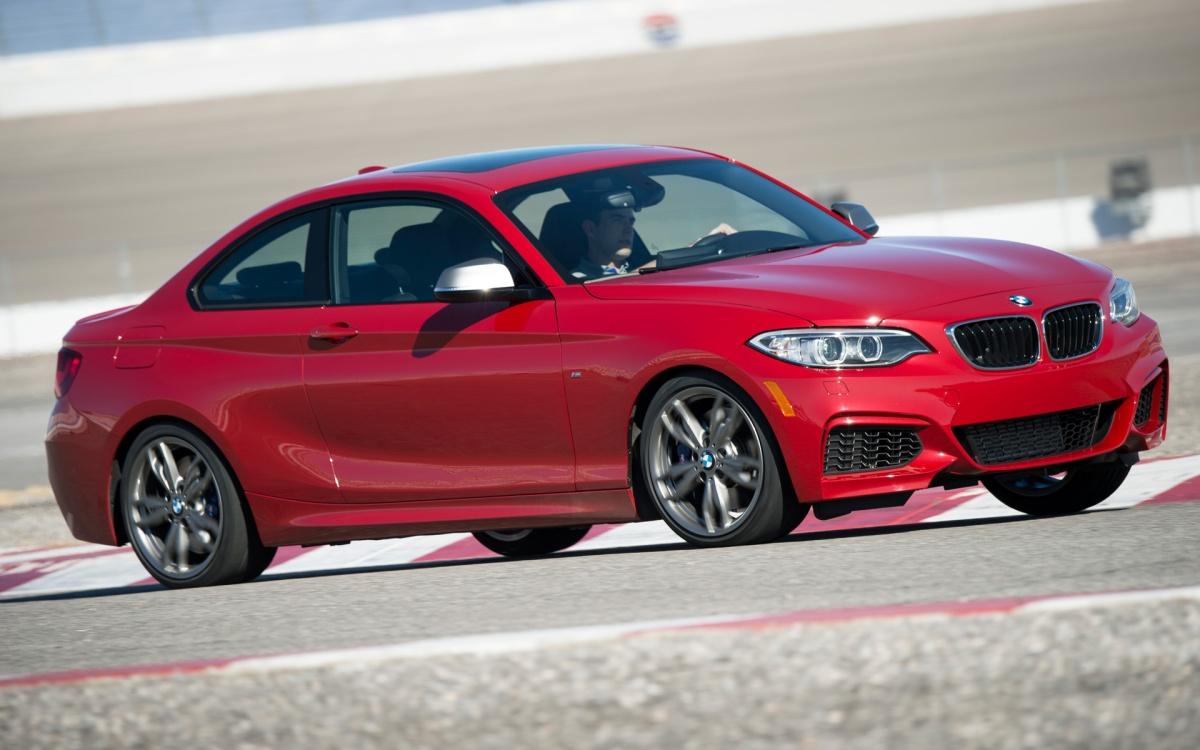 12_BMW_DriftMob_ChrisHarris_DriftSchool_BMW_M235i