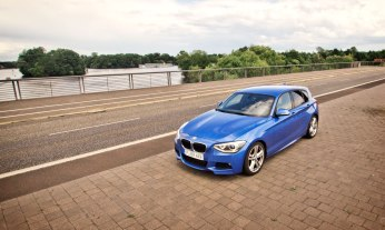 07_BMW_118d_EstorilBlau_Berlin_Spandau