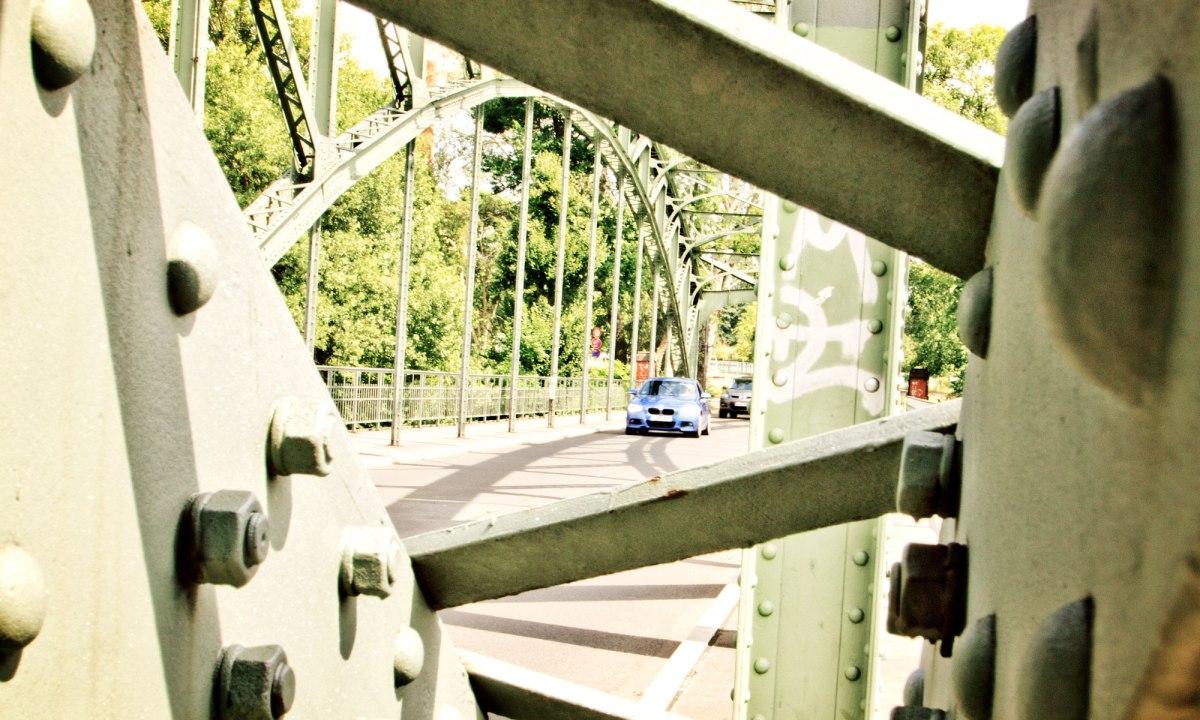 10_BMW_118d_EstorilBlau_Berlin_Spandau