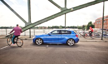 13_BMW_118d_EstorilBlau_Berlin_Spandau