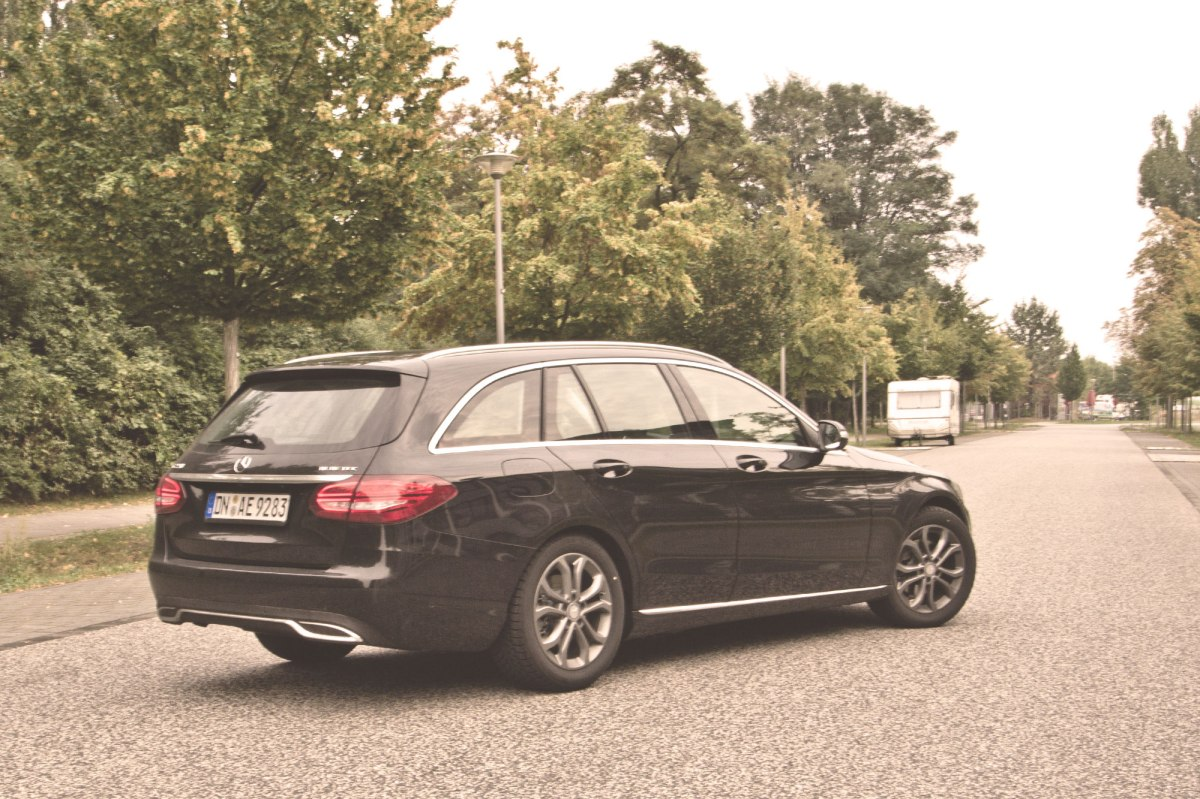 Ein erster Vergleich: Mercedes-Benz CLA Shootingbrake und C-Klasse T-Modell