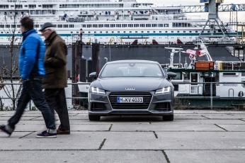 Audi TT Sixt Berlin Treptowers schwerunterwegs Hamburg Hafencity-12