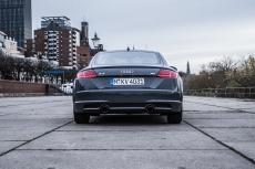Audi TT Sixt Berlin Treptowers schwerunterwegs Hamburg Hafencity-5