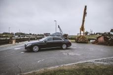 Statt die normale Version zu strecken, entwickelte Mercedes die S-Klasse in dieser Langversion und leitete die kurze Variante davon ab