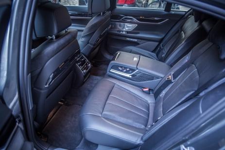 BMW 740d xDrive Sixt-21