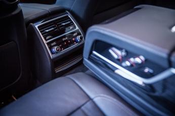 BMW 740d xDrive Sixt-22