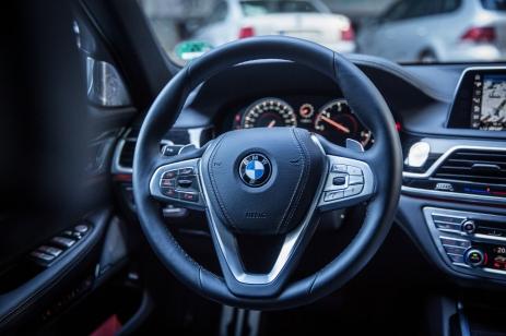 BMW 740d xDrive Sixt-24